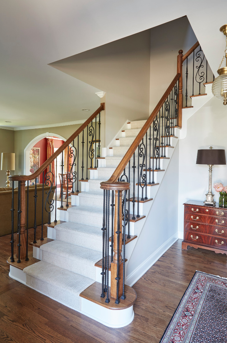 foyer-staircase-interior-design-white-carpet-stairs
