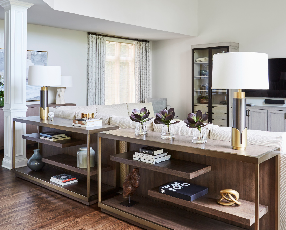 hawthorn-woods-il-living-room-shelves-lamps-accessories-interior-design
