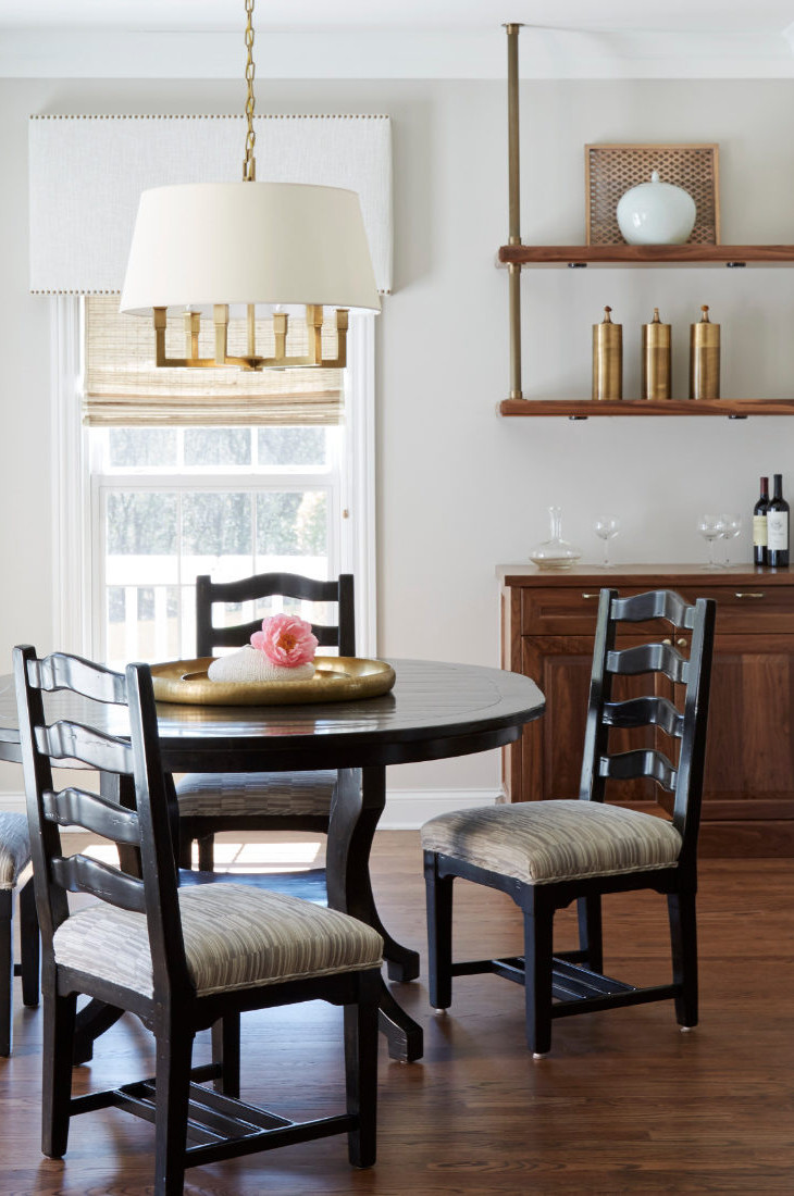 redux-interior-design-round-dining-table-with-chairs