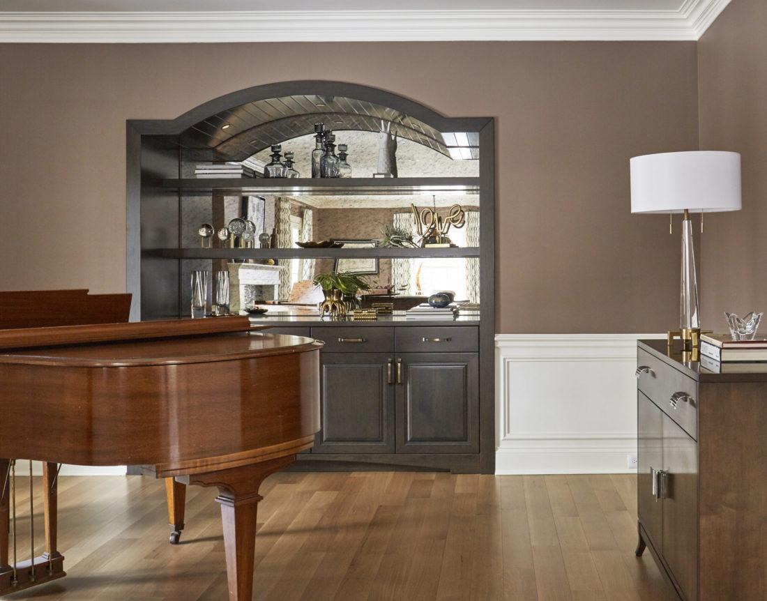 barrington-il-built-in-shelving-living-room-interior-design