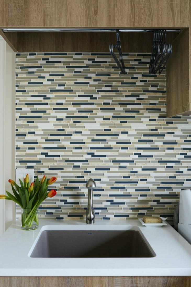 sink-laundry-room-tile-backsplash-interior-design-barrington-il