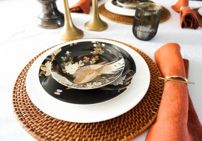 Setting the Perfect Holiday Table: A Guide to Stressless Entertaining